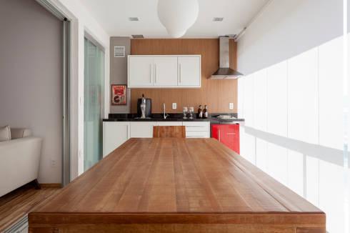 APARTAMENTO MICHIGAN: Terraços  por Tria Arquitetura