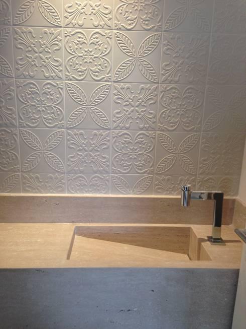 Lavabo - após reforma:   por Laura Picoli