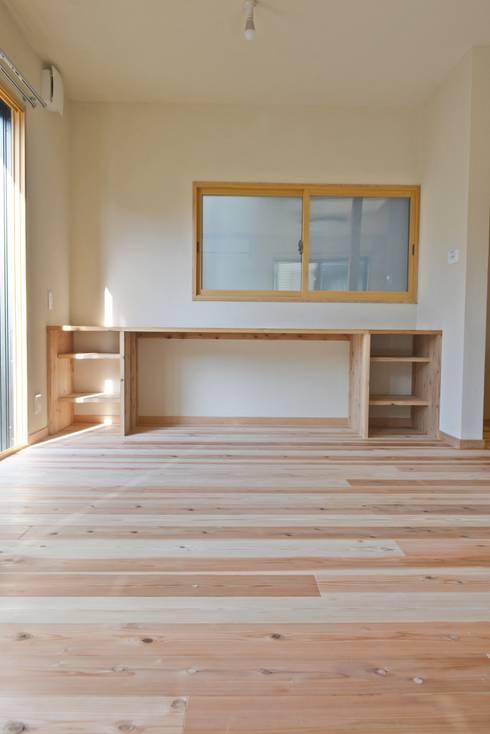 リビング造作家具: むくむくはうすが手掛けたリビングです。