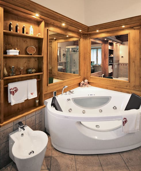 rustic Bathroom by STUDIO ABACUS di BOTTEON arch. PIER PAOLO