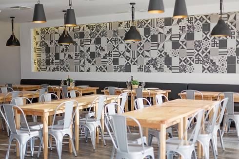 Restaurante : Espaços de restauração  por EU INTERIORES