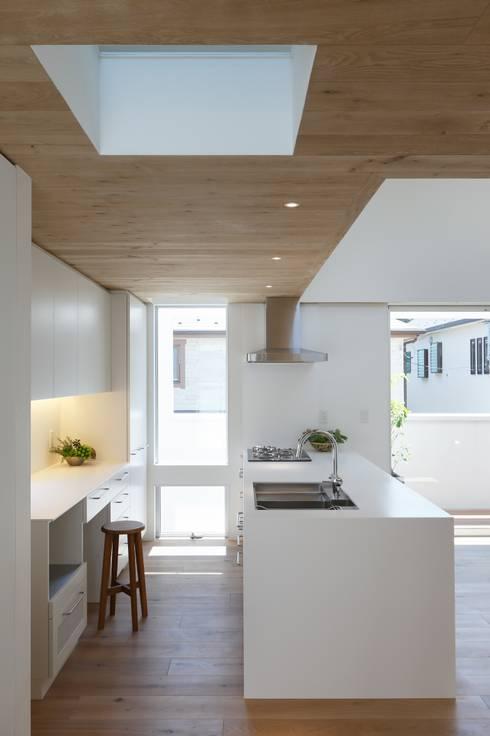 Keuken door アトリエ スピノザ