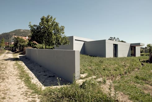 Casa de Cerveira: Casas modernas por Dinis Sottomayor Photography