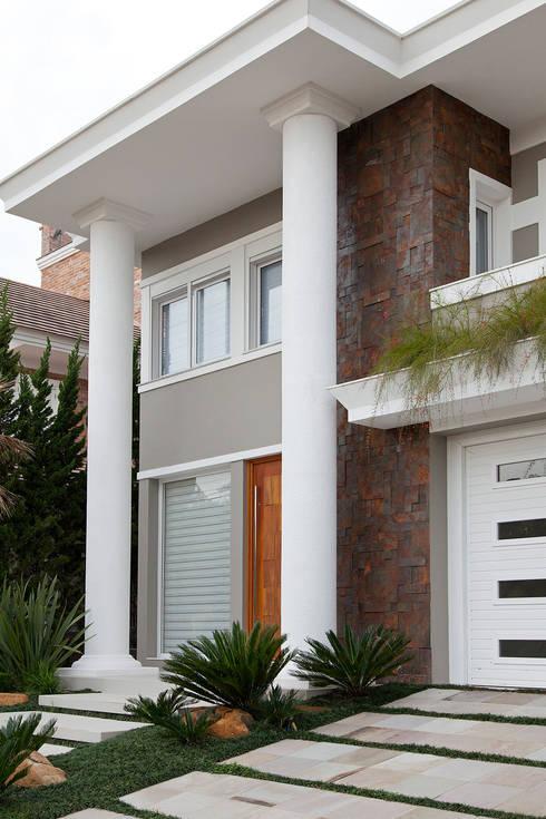 Casas de estilo  por ANDRÉ PACHECO ARQUITETURA