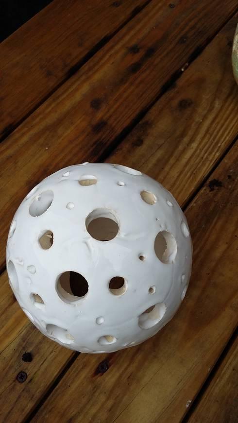 keramik kugel windlicht wei handgefertigt deko kugel di. Black Bedroom Furniture Sets. Home Design Ideas