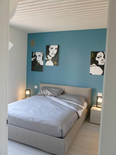 PASSIVHAUS [BOLGARE – BG] www.marlegno.it – Progetto: Arch. Luca Barcella: Camera da letto in stile in stile Moderno di Marlegno