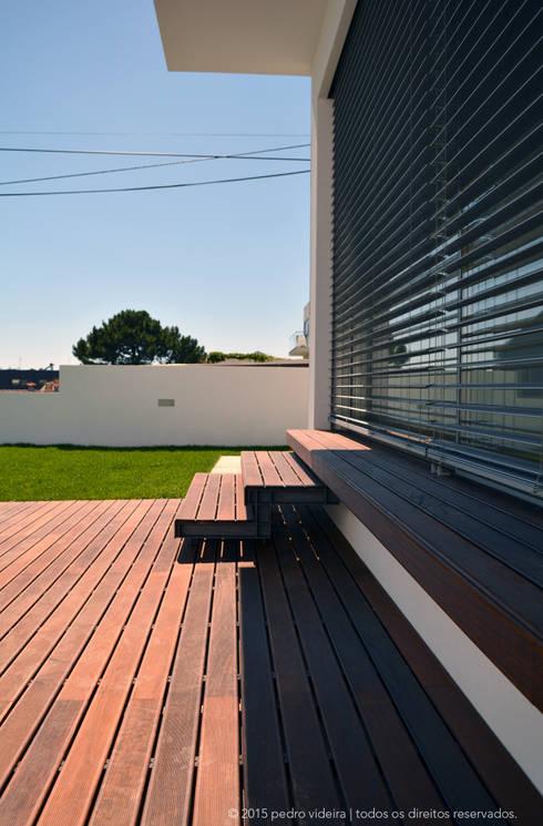 Casa FHQ: Casas modernas por PeC Arquitectos