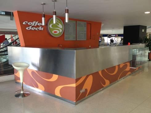 DeLolita Centro Comercial Mayorca: Centros comerciales de estilo  por tresarquitectos