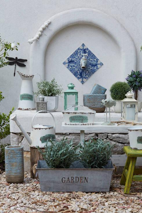 Jardín de estilo  por VILLATTE - La Maison