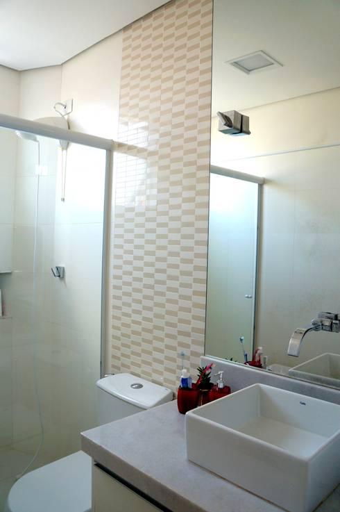 APARTAMENTO RMP: Banheiros modernos por TAED ARQUITETURA