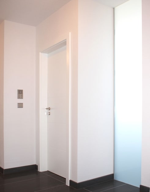 moderne Badkamer door Miccoli ARCHITEKTUR+IMMOBILIEN Atelier