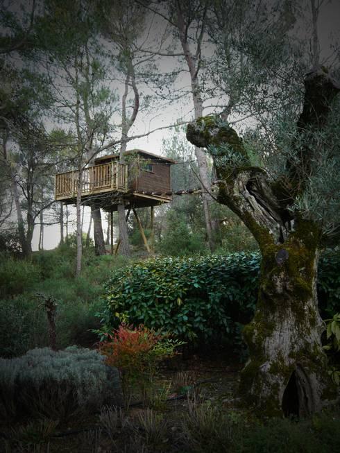 Une cabane a Aix en Provence: Jardin de style  par Cabaneo