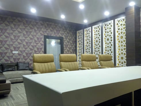 KUNAL REMEDIES: modern Study/office by Studio Interiors Infra Height Pvt Ltd