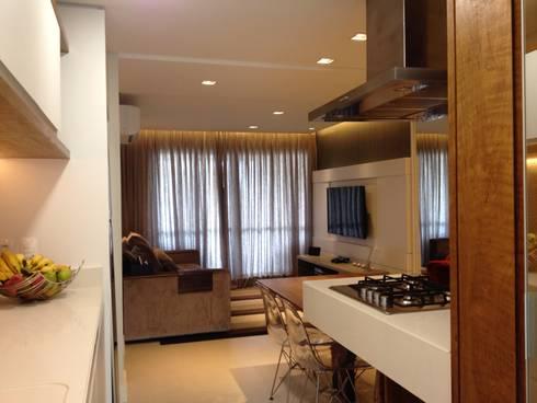 Gourmet e Living:   por Emerson Penso Arquitetura e Interiores