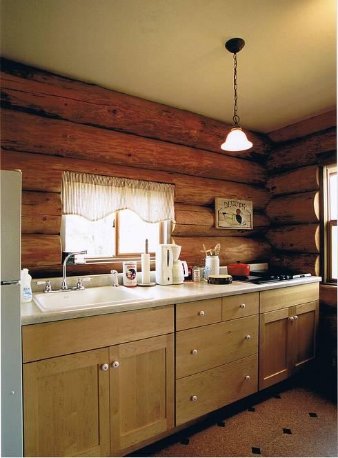 床下排気システムのキッチン: Cottage Style / コテージスタイルが手掛けたキッチンです。