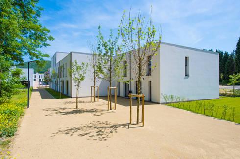 eco quartier de la fontaine saint jean par artau architectures homify. Black Bedroom Furniture Sets. Home Design Ideas