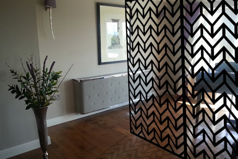 Modern Black Room Dividers In ZIGZAG Chevrons Geometric Pattern
