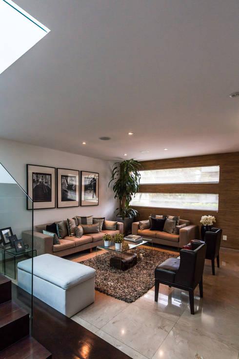 Sala 3: Salas de estilo moderno por aaestudio