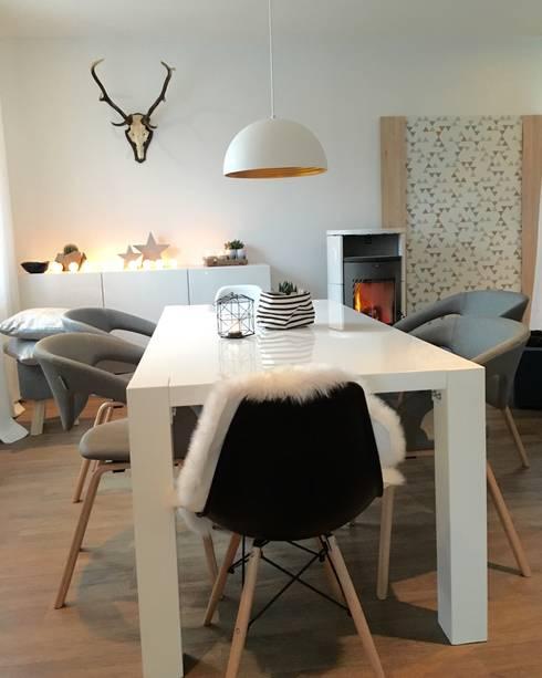 eine sch ne moderne einrichtung von traumreich mehr als. Black Bedroom Furniture Sets. Home Design Ideas