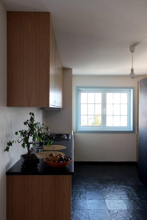 azul: Cozinhas minimalistas por crónicas do habitar