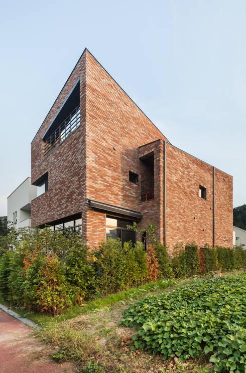 Häuser von aandd architecture and design lab.
