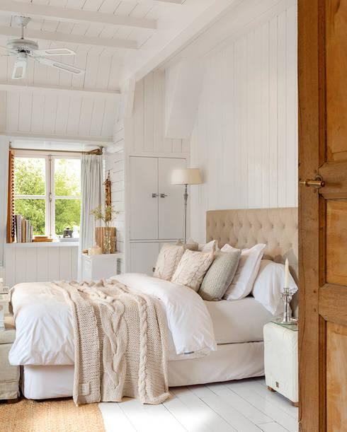 Camera da letto in stile  di Casa de Valentina