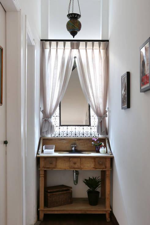 Salle de bains de style  par Antonio Armando Arquitetura & Design