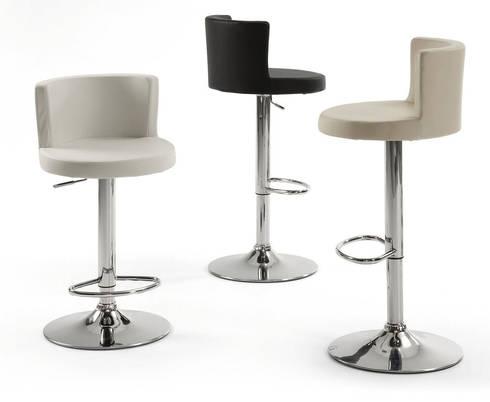 Bancos de Bar Bar Stools www.intense-mobiliario.com  Antennae http://intense-mobiliario.com/product.php?id_product=2042: Cozinha  por Intense mobiliário e interiores;
