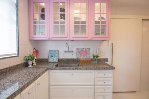 Cobertura Recreio dos Bandeirantes- RJ: Cozinhas clássicas por Duplex Interiores