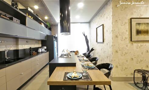Cozinha Gourmand Lounge: Cozinhas ecléticas por Samira Jarouche Arquitetura & Interiores