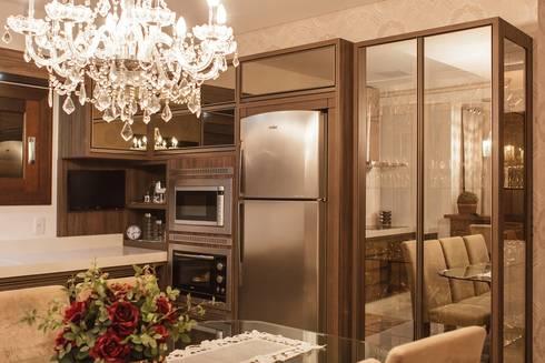 Projeto de arquitetura de interiores residencial.: Cozinhas modernas por Elaine de Bona Arquitetura e Interiores