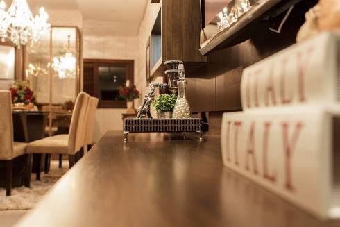 Projeto de arquitetura de interiores residencial.: Salas de estar modernas por Elaine de Bona Arquitetura e Interiores