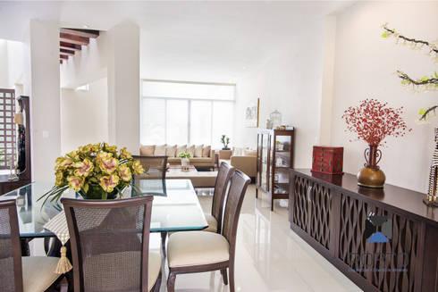 """Proyecto Residencial """"Casa CA18"""": Comedores de estilo ecléctico por PORTO Arquitectura + Diseño de Interiores"""