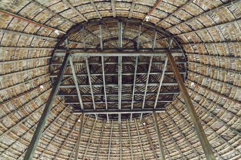 Kipará Té Etnoaldea Turística Embera / Juan Pablo Dorado + Oficina Suramericana de Arquitectura: Casas de estilo tropical por Oficina Suramericana De Arquitectura