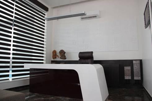 Hotel The Grand Daksh: modern Study/office by RUST the design studio