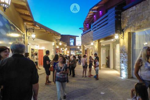 Galeria comercial en mina clavero cordoba de aarqum homify - Galeria comercial ...