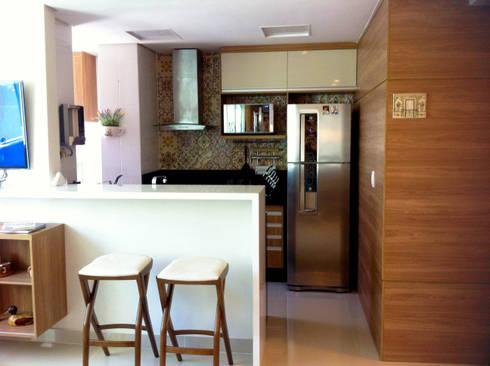 Cozinha americana: Cozinhas ecléticas por Jaqueline Vale Arquitetura