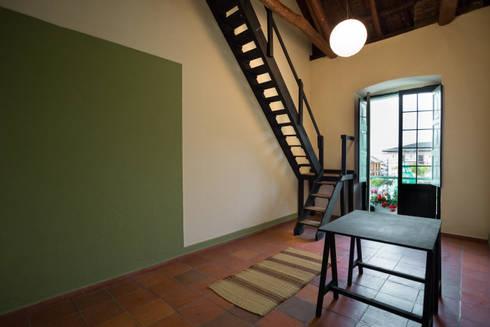 Oficina: Oficinas y Tiendas de estilo  por SDHR Arquitectura