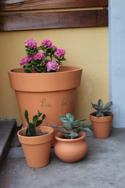 Jardin privado: Jardines de estilo  por LAS MARIAS casa & jardin