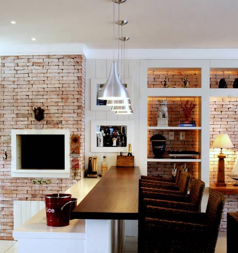 PROJ. RAMOS & PEIXOTO: Cozinhas modernas por BRAESCHER FOTOGRAFIA