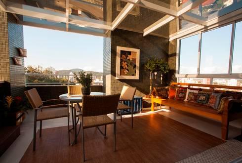 Varanda externa: Terraços  por Lima.Ramos.Lombardi Arquitetos Associados