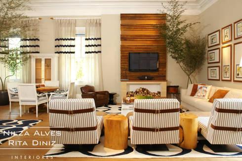 Sala de estar: Salas de estar campestres por Nilza Alves e Rita Diniz