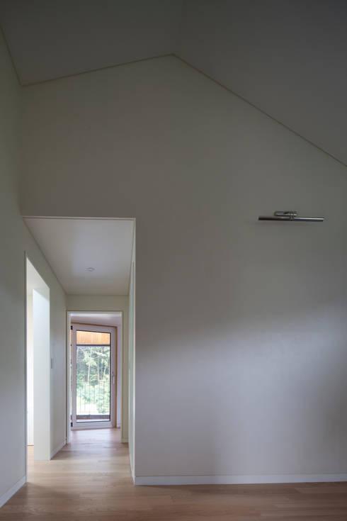 용인 보정동 사랑방을 둔 ㄱ자집: 리슈건축 의  창문