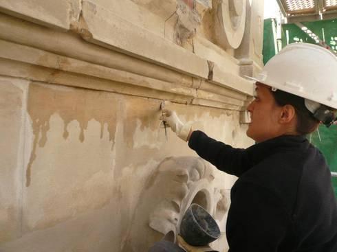 Restauración Fachada Casa Bonet en Barcelona: Terrazas de estilo  de Estudio Arquitectura Ricardo Pérez Asin