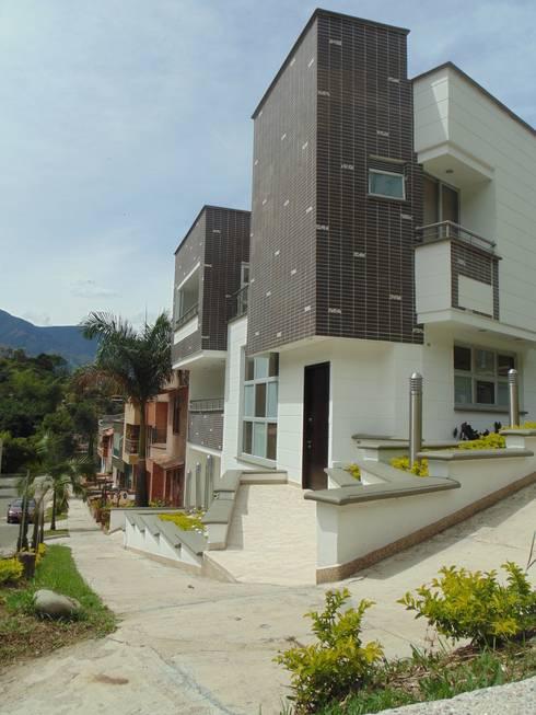 Casas de estilo  por Le.tengo Arquitectos