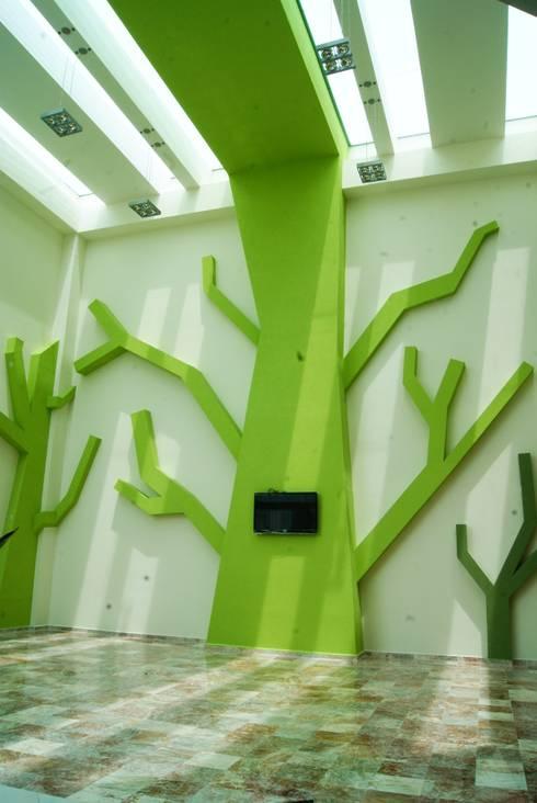 CENTRO DE JUBILADOS Y PENSIONADOS DEL SERVICIO PÚBLICO: Comedores de estilo minimalista por AR+D arquitectos