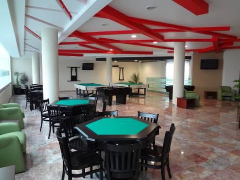 CENTRO DE JUBILADOS Y PENSIONADOS DEL SERVICIO PÚBLICO: Salas de estilo minimalista por AR+D arquitectos
