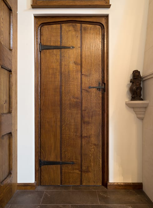 Bespoke Oak Doors by Stuart Interiors | homify