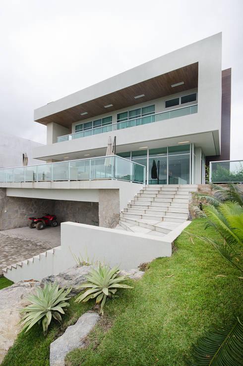 Casa de Campo: Casas modernas por Fábrica Arquitetura