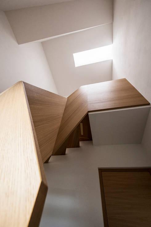 Villa Gries:  Flur & Diele von noa* - network of architecture